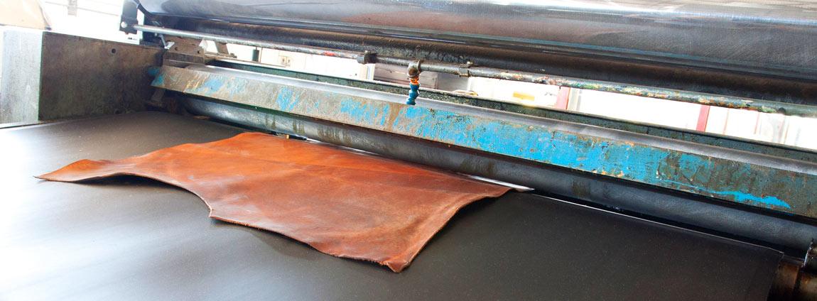 Macchina gemata per coperture e vernici